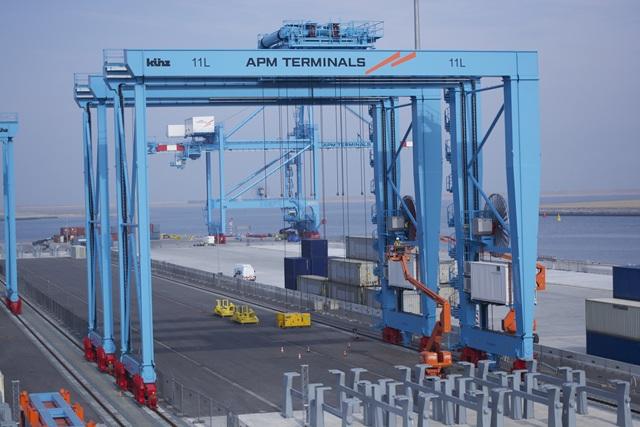 140220 APM Terminals Rotterdam