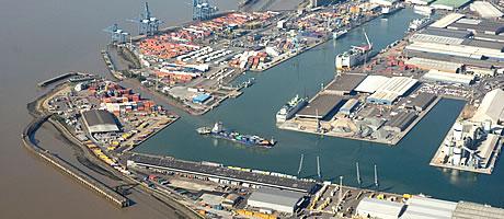 tilbury-port-arial