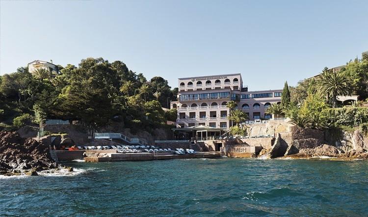 Hotel-Miramar-facade-Plage-theoule-luxe-76d408748a